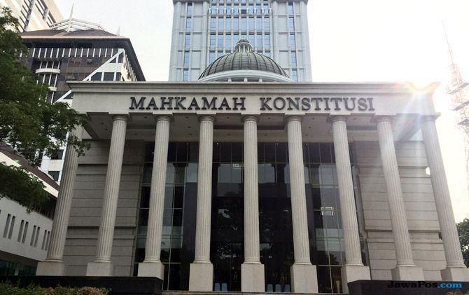 Batas Usia Nikah Tak Lagi 16 Tahun, MK Minta DPR Susun UU Baru