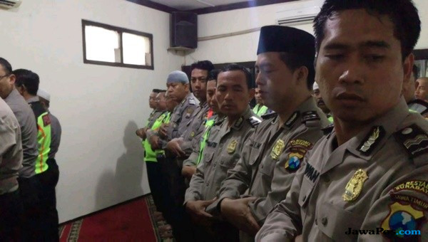 Berbelasungkawa, Polsek Tegalsari Gelar Salat Ghaib