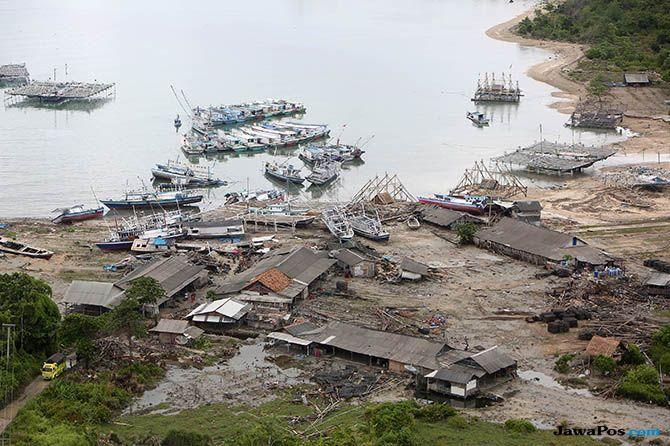 Berjarak Paling Dekat Dengan GAK, Warga 2 Pulau Dievakuasi ke Lamsel