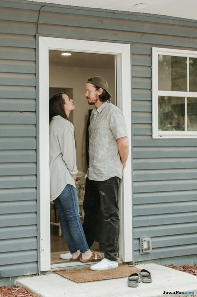 tips percintaan, keuntungan pasangan lebih tua, fakta pria, kriteria pasangan,