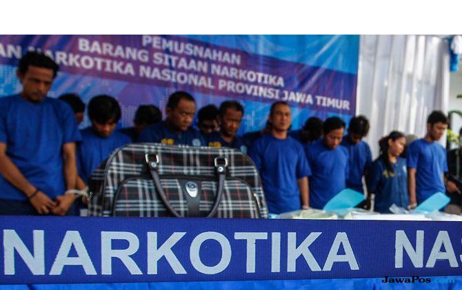BNNP Jatim Musnahkan 5,8 Kg Sabu-sabu yang Dikendalikan Mantan TKI