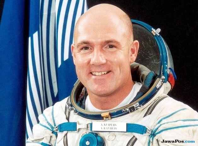 astronot, luar angkasa,