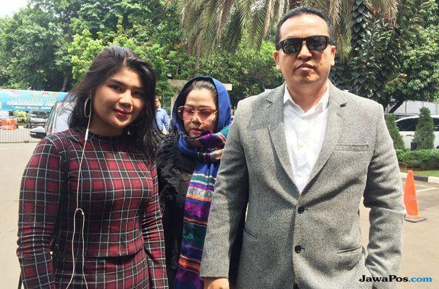 Dewi Perssik dan Keponakan Penuhi Panggilan Pemeriksaan Kepolisian
