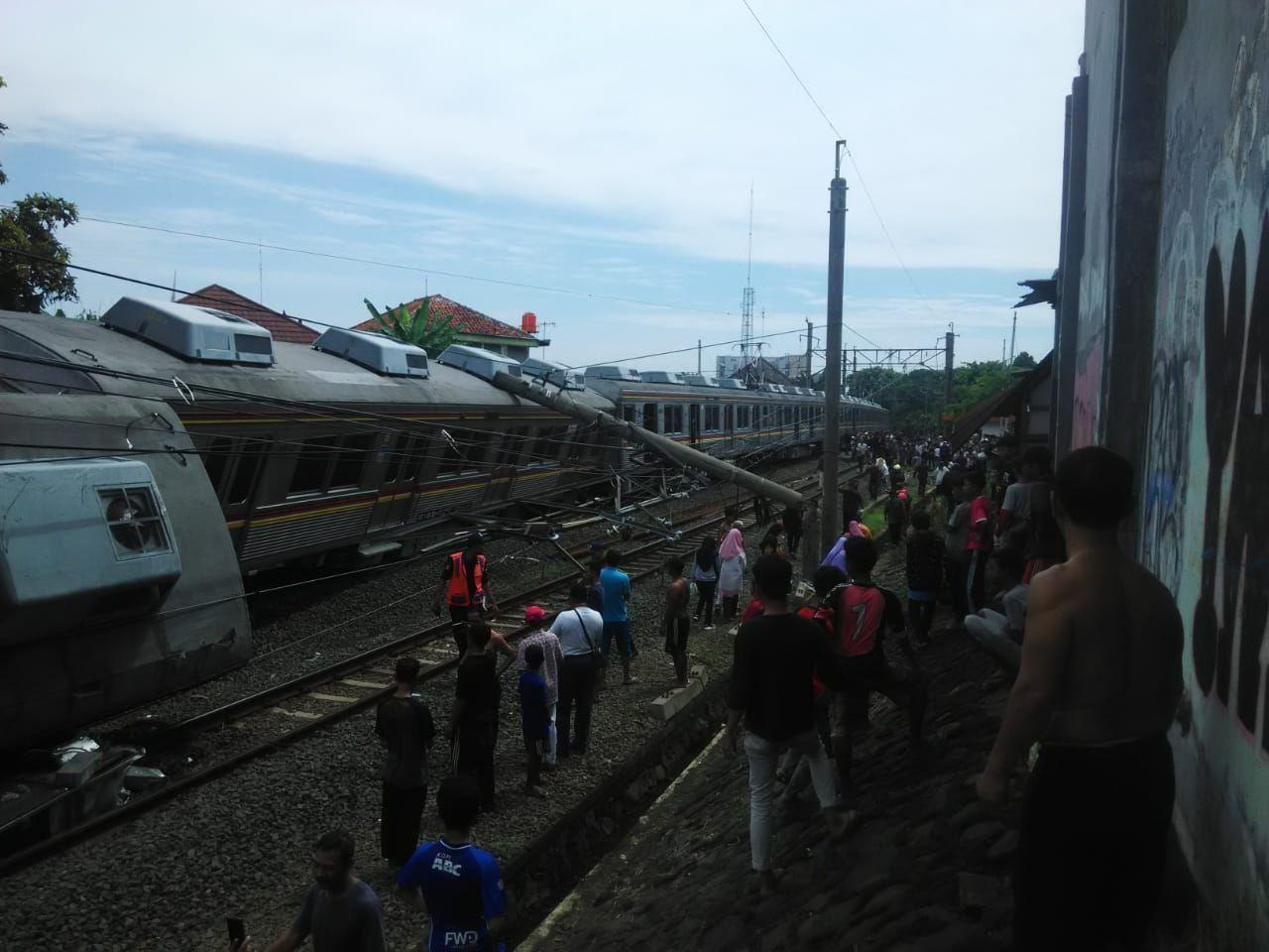 Enam Orang Jadi Korban Akibat Tergulingnya KRL di Bogor
