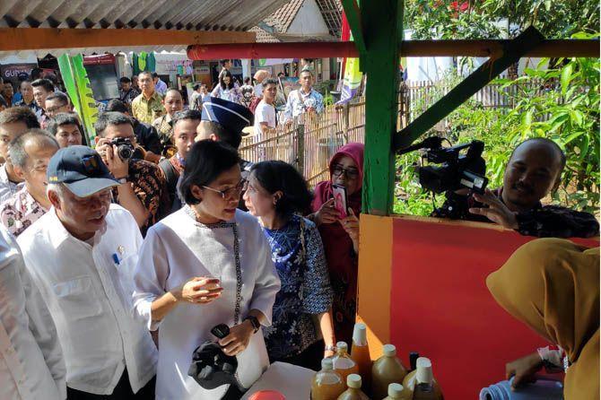 Gaya Menkeu, Menteri Basuki, dan Gubernur Banten Blusukan ke Pedesaan