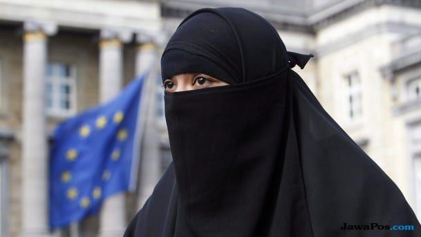 islam, islamopobia, swiss, larangan berdoa, salat,