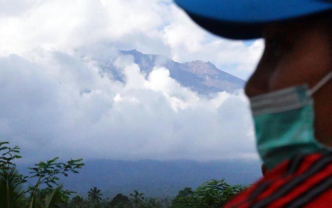Gunung Bromo Meletus 5 Kali, Status Masih Waspada