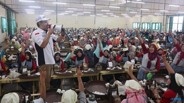 Gus Ipul Inginkan Ekonomi Pekerja Perempuan Meningkat