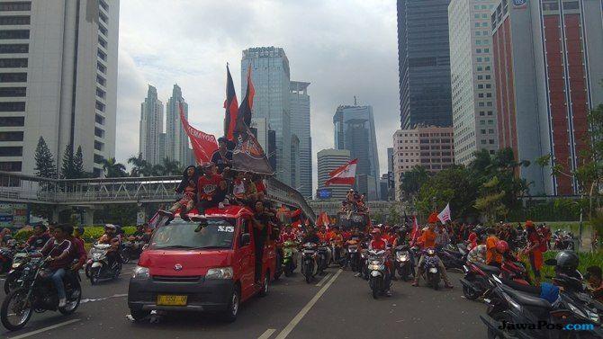 Jakmania Tumpah Ruah, Jalan Sudirman-Thamrin Padat Merayap