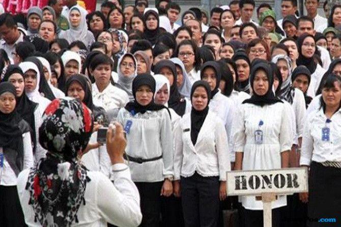 Mendikbud Muhadjir Meminta Perekrutan Guru Honorer Dihentikan