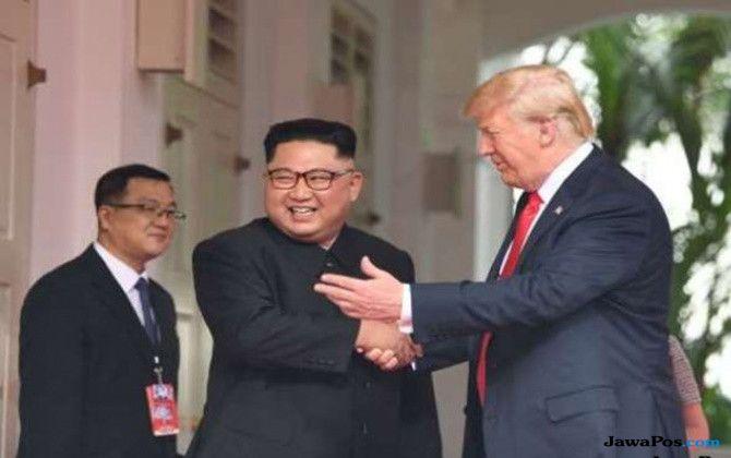 Mengenal Karakter Trump dan Kim Jong Un dari Tanda Tangan