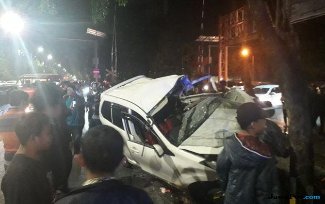 Mobil dan Motor Ditabrak KA di Perlintasan Margorejo, 3 Luka Berat