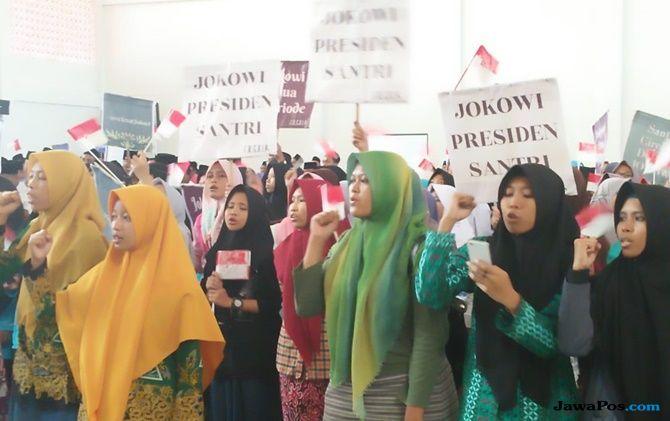 Ratusan Santri di Cirebon Deklarasikan Diri Dukung Jokowi Maju Pilpres