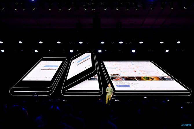 Samsung, Samsung Smartphone Lipat, Smartphone Lipat Samsung