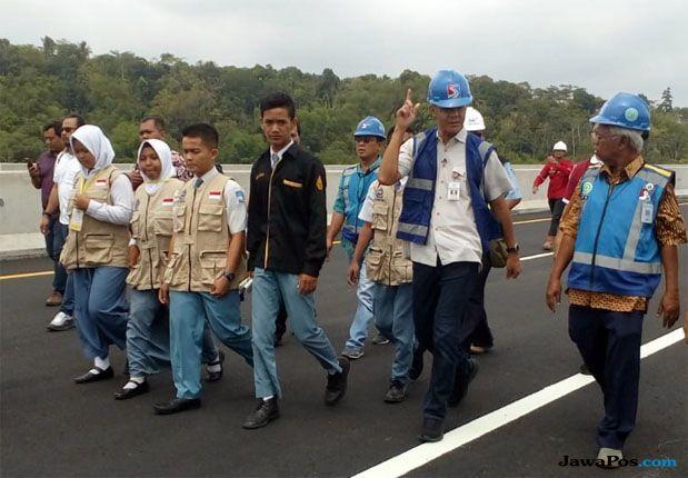Untuk diketahui, jalan tol Semarang-Solo memiliki panjang total 72,64 kilometer. Dan tol Semarang-Salatiga telah beroperasi sejak tahun lalu