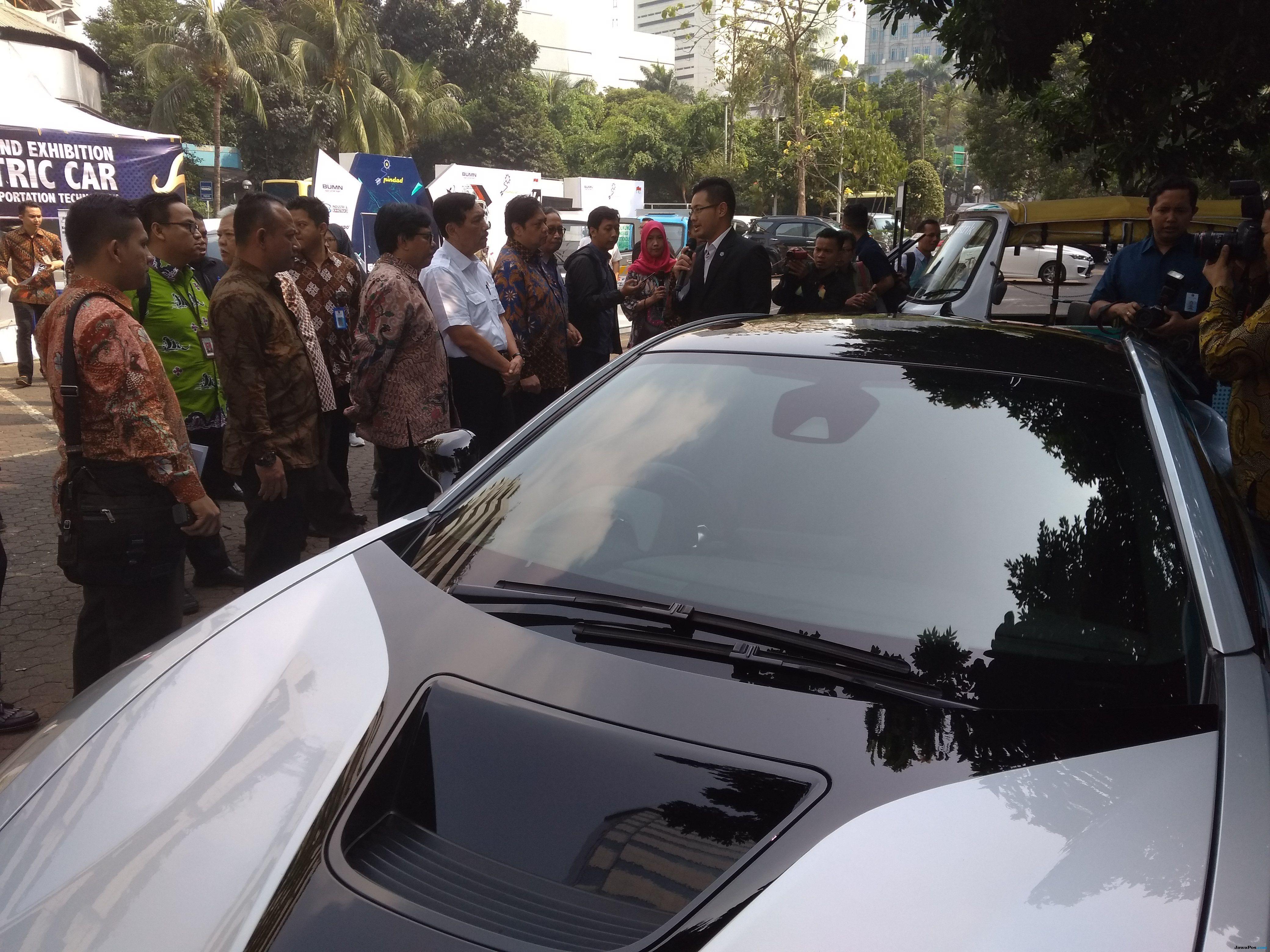 Sejumlah Mobil Listrik Mejeng di Kantor BPPT