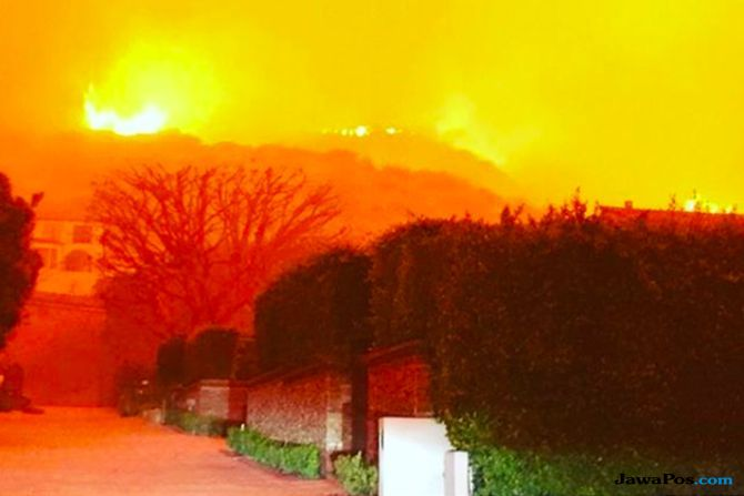 kebakaran di california, rumah selebriti hollywood terbakar, kerugian kebakaran di california,