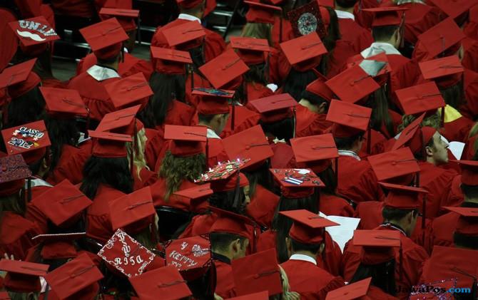 Sempat Ingin Berhenti Kuliah Karena Rumah Orang Tua Terbakar