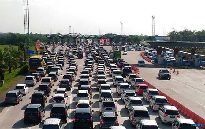 Sempat Macet 5 Jam, Gerbang Tol Cikarut Kini Terurai, Ini Penyebabnya