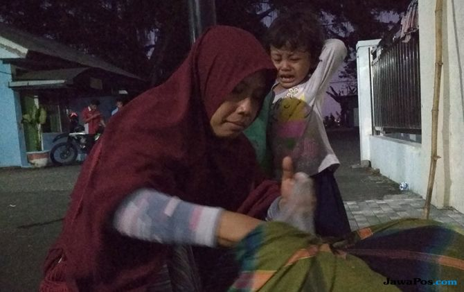 Tiga Hari Terkatung-katung, Susah Payah Jalan Kaki ke Bandara