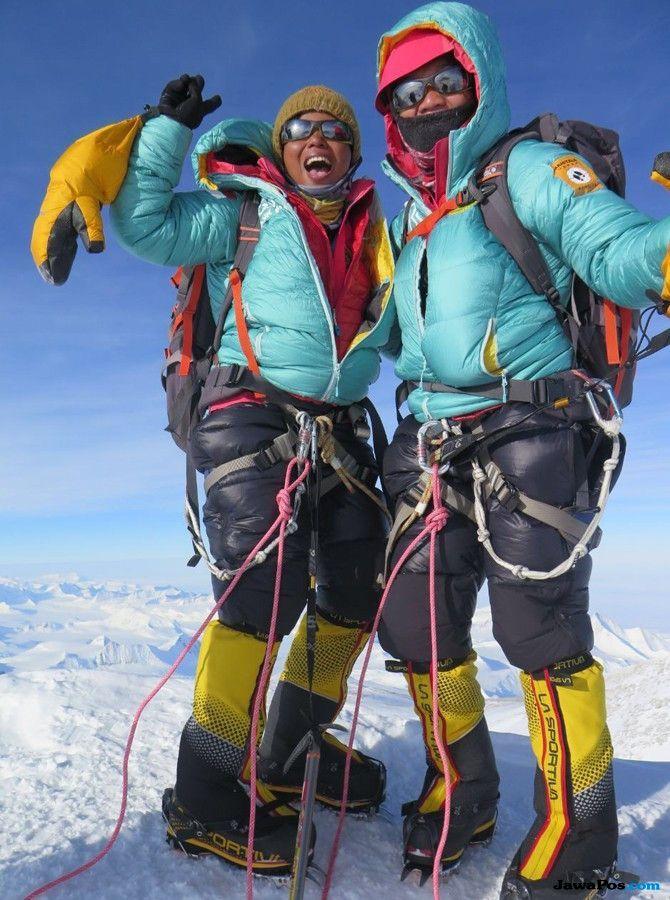 Tips Mendaki Gunung Es dari Penakluk 7 Puncak Dunia