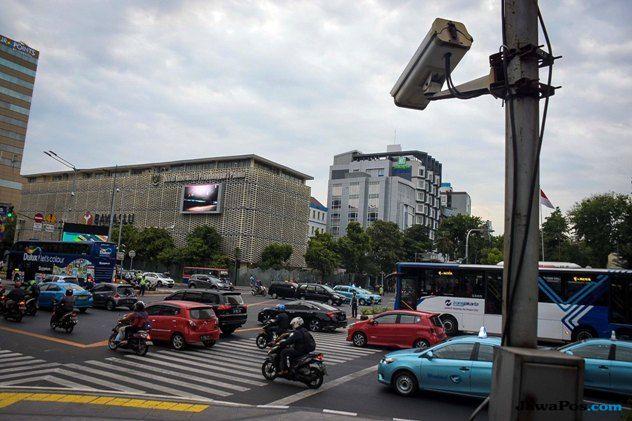 Uji Coba ETLE, Baru Dua Kamera CCTV Terpasang