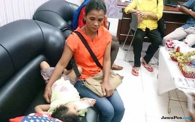 Video 3 Anak Terlantar Viral, Penahanan Ibunya Ditangguhkan