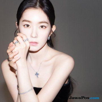 Wanita Asia Pertama Inspirasi Damiani, Cantiknya Irene Pamer Perhiasan
